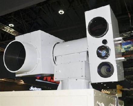 中国新锐武器亮相阿布扎比 能用的激光炮见过没?