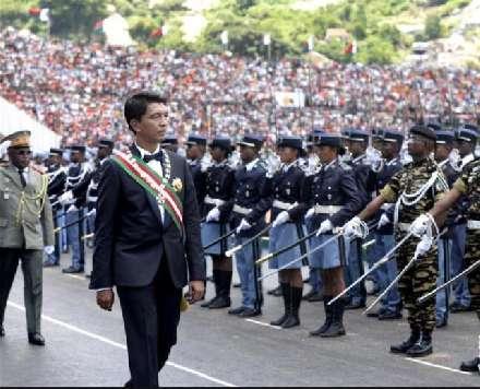 非洲大国亲华总统上台,东方大国获大单,美:重选