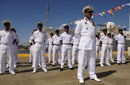 一声巨响!东方大国鱼雷击沉不明军舰,印度:完了
