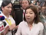 这1分钟极为珍贵,央妈为两位不具名的香港人站台
