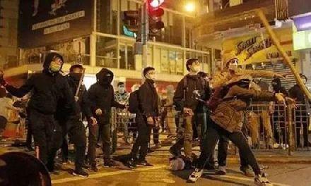 """骂示威者""""废青"""",被称伤港人感情?胡锡进回应"""
